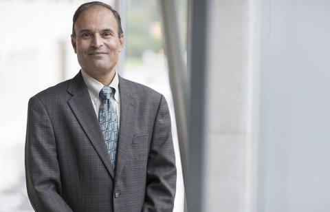 "Photo of Dean Venkataramanan ""Ragu"" Balakrishnan"